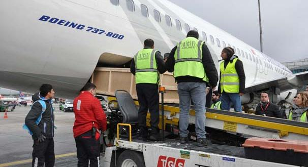 Kırgızistan'da uçak kazasında hayatını kaybeden pilotların naaşları Türkiye'ye getirildi