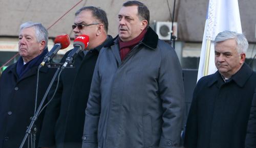 """""""Anayasaya aykırı"""" Sırp Cumhuriyeti Günü kutlandı"""