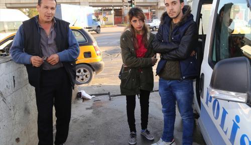 ATM'de buldukları parayı polise teslim ettiler