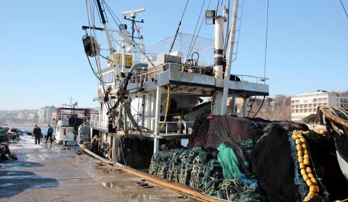 """Balıkçıların """"buz"""" esareti sona erdi"""