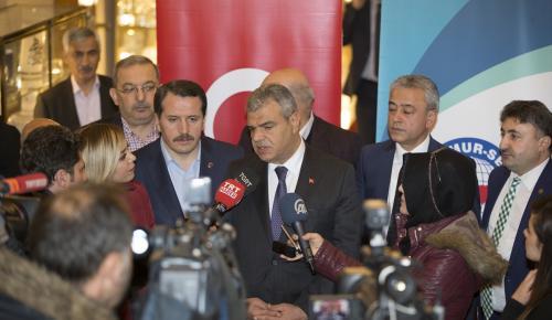 """Başbakan Yardımcısı Kaynak: """"(İzmir'deki terör saldırısı) Türkiye, bulunduğu bölgede etkin olacaktır. Suriye'de, Irak'ta ülkemize adeta mikrop yuvası gibi terör üreten yerlerde var olmamızı asla engelleyemeyecektir."""""""