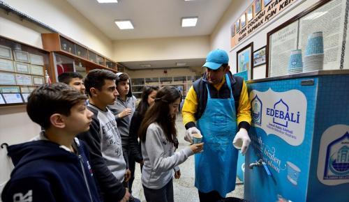 Bursa'da lise öğrencilerine sıcak çorba