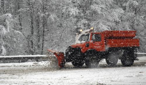 Düzce'de kar yağışı ulaşımı aksattı