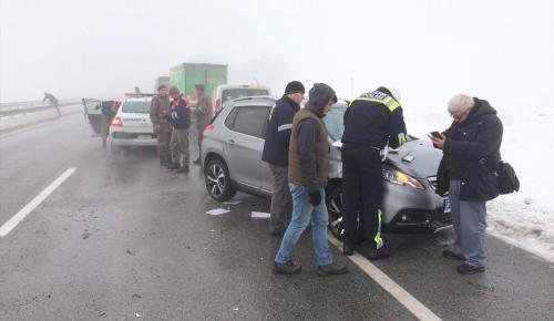 Edirne'de zincirleme trafik kazası: 5 yaralı