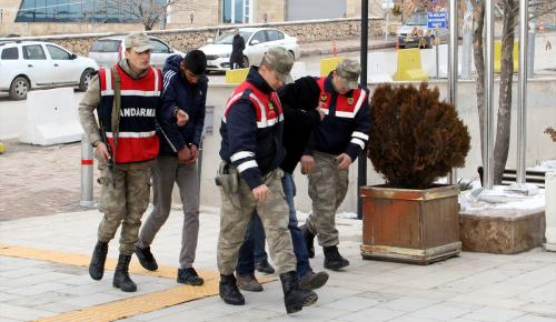 Elazığ'da tüp hırsızları suçüstü yakalandı