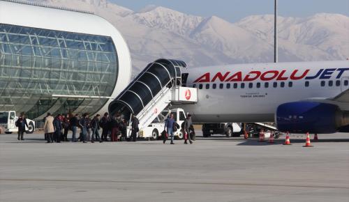 Erzincan'a uçak sefer saatleri değişti