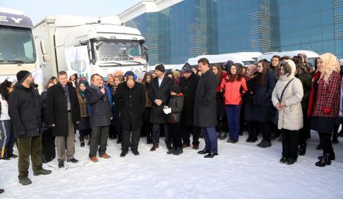 Erzurum'da öğrencilerden Haleplilere yardım