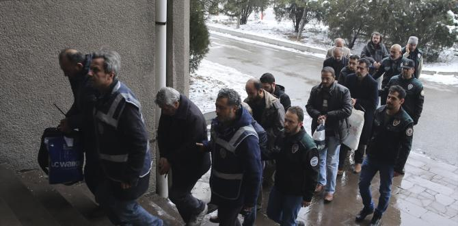 """Ankara'da FETÖ'nün """"yargı imamları"""" adliye sevk edildi"""