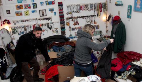 Hırvatistan'da ihtiyaç sahiplerine kışlık kıyafet yardımı