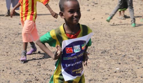 İHH'dan Etiyopyalı ailelere gıda yardımı