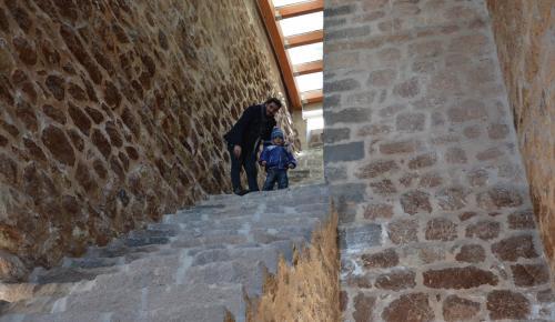 İshak Paşa Sarayı'na ziyaretçi ilgisi