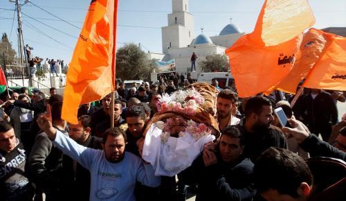 İsrail'in naaşlarını alıkoyduğu Filistinliler toprağa verildi