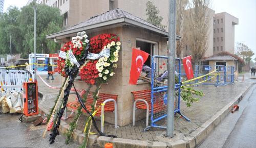 """İzmir halkının ikinci Hasan Tahsin'isin"""