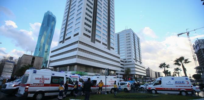 İzmir Adliyesi'nde 5 personel gözaltına alındı