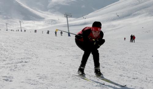 Kayak severler Abalı Kayak Merkezi'ne akın etti