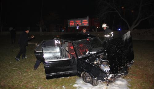 Kaza yapan askere müdahale eden sağlıkçılara otomobil çarptı