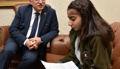 Ortaokul öğrencisinden Halepli akranlarına duygulandıran mektup