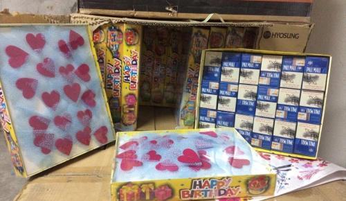 Oyuncak kutuları arasında kaçak sigara ele geçirildi