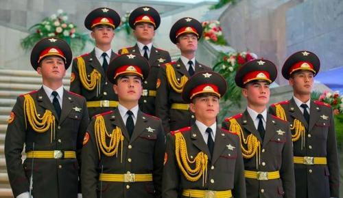 Özbekistan'da Silahlı Kuvvetler Günü kutlanıyor