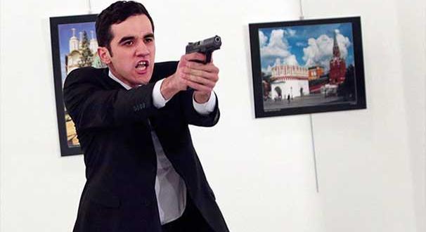 Rus Büyükelçi Karlov'u öldüren saldırganın arkadaşı 4 polis tutuklandı