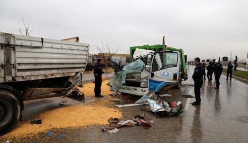 Şanlıurfa'da çöp kamyonu tıra çarptı: 3 yaralı