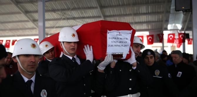 Şehit polis Arslan Gaziantep'te son yolculuğuna uğurlandı