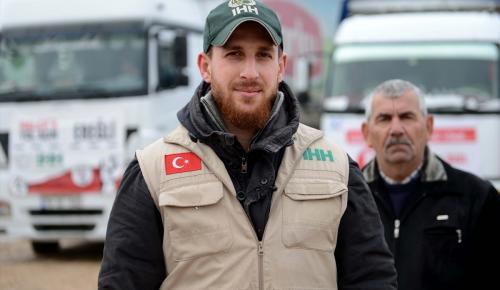 Suriyelilere 27 tırlık yardım
