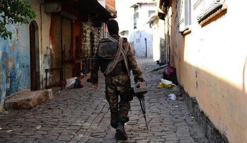 Diyarbakır'da Yenişehir kaymakamına suikast için gelen terörist öldürüldü