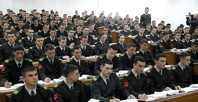 Milli Savunma Bakanlığı'ndan emekli subay ve astsubaylara görev