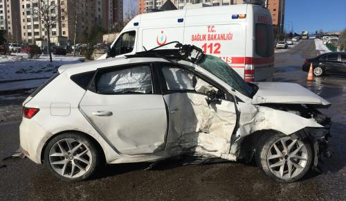 Üniversiteli genç, trafik kazasında hayatını kaybetti