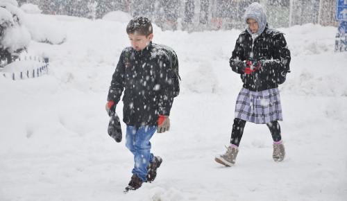 Vali Vasip Şahin'den açıklama! İstanbul'da yarın okullar tatil