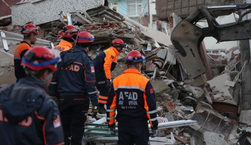 Zeytinburnu'ndaki bina çökmesi
